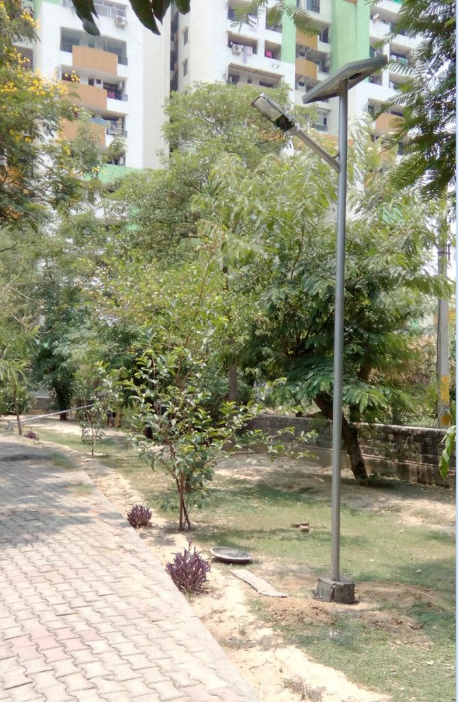 Solar street light installtion in Garden, Noida