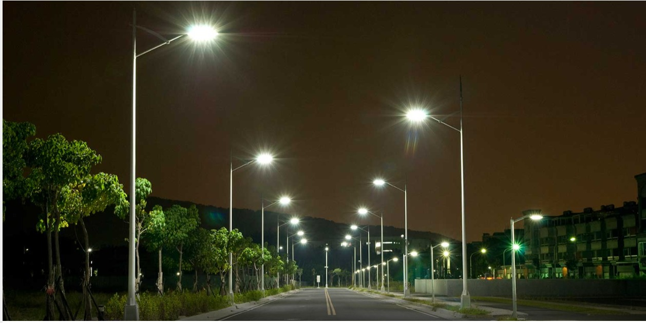 Solar Street Lights- A Safer Solution to Light Up the Premises
